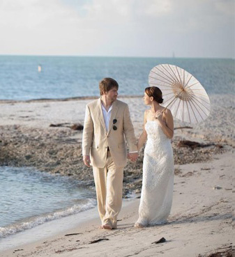 We Tell Your Story - a romantic wedding in the Florida Keys - http://DestinationWeddingStudio.com